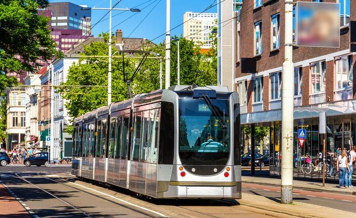 Een tram in Rotterdam.