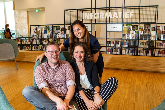 Mathieu Katier, Femke Boeijen en Claire Evers zijn het bestuur van de nieuwe denktank voor jongere generaties Dev&Ter. Woensdag 19 juni houdt deze het eerste event in de bibliotheek aan de Stromarkt.