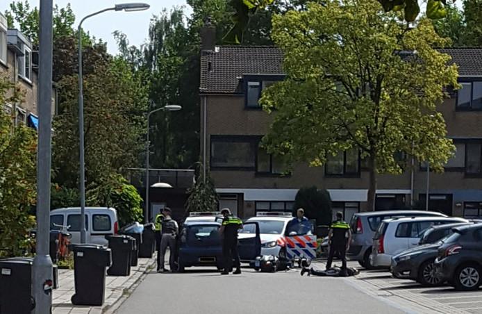 De arrestatie in Harderwijk, waarbij de politie waarschuwingsschoten loste nadat de verdachte een agent aanreed en er vandoor wilde gaan.