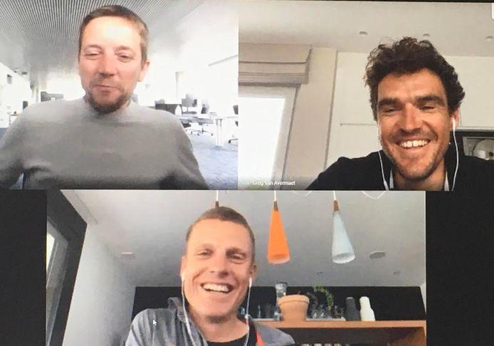 Greg Van Avermaet en Michael Schär in een gesprek met Merijn Casteleyn.