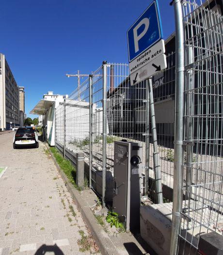 PvdA Eindhoven: 'Wildgroei aan laadpalen in de stad tegengaan'