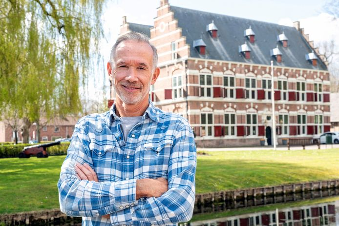 Gastheer Leo Jegen voor het Mauritshuis in Willemstad: 'Het wordt heel mooi.'