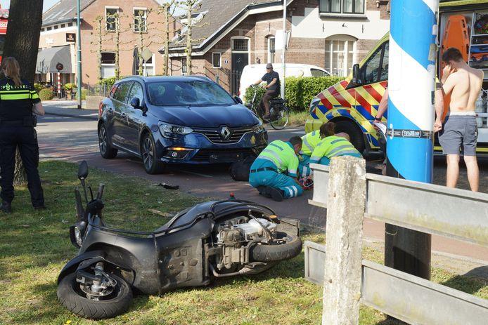 Botsing met scooter en auto in Sprang-Capelle.