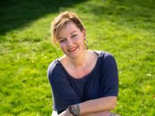 Na haar ongeluk werd ze yogadocente voor mensen met niet-aangeboren hersenletsel: 'Mijn leerlingen weten hoe het is om niet zichzelf te zijn'