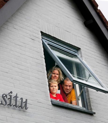 Het huis van Margriet en Norbert heeft een Latijnse naam: 'Soms staan ze de betekenis te googelen voor de deur'