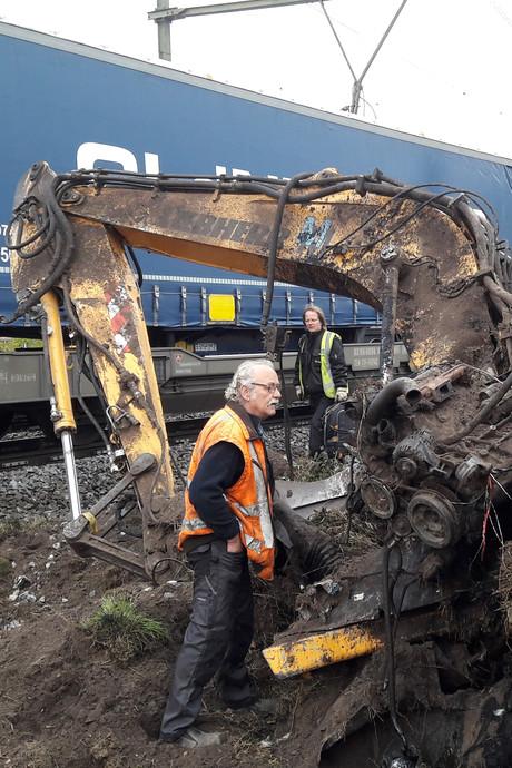 Graafmachinist Wim vindt na treinbotsing nog wel zijn broodtrommel
