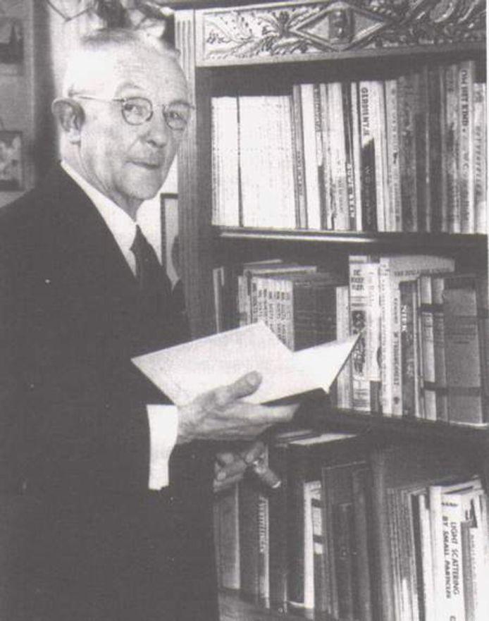 De Utrechtse onderwijzer en kinderboekenschrijver W.G. van de Hulst.