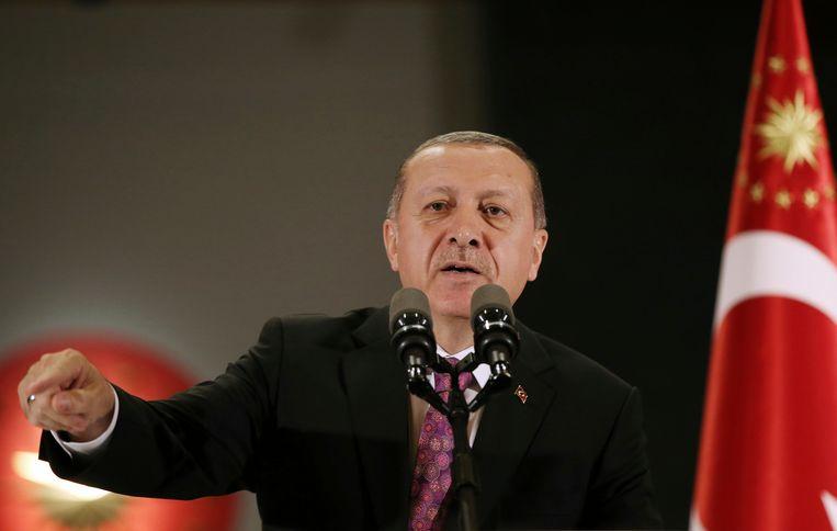 Turks president Recep Tayyip Erdogan heeft de maatregel persoonlijk goedgekeurd. Beeld AP