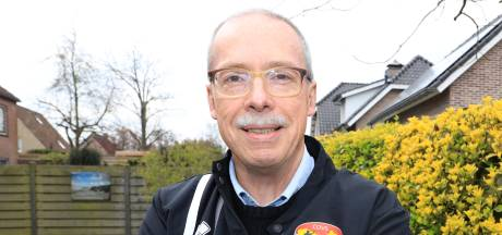 Scheidsrechter Smits rent na hartstilstand alweer tegen arbiters van over de hele wereld