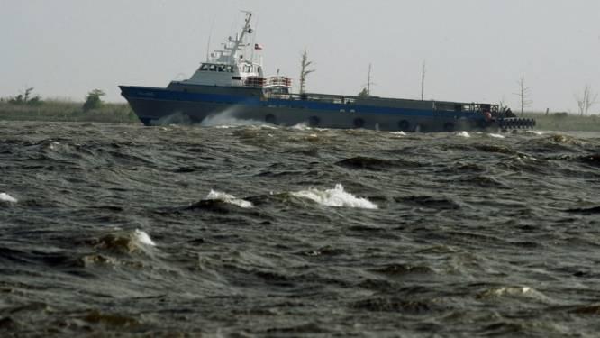 Wilde zee bemoeilijkt opkuis: olievlek weer drie keer groter