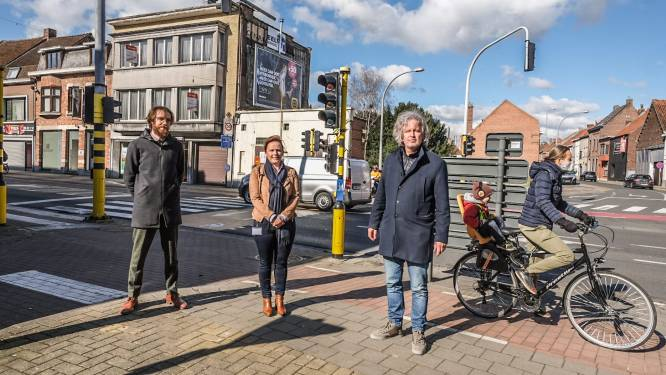 Druk kruispunt in Bissegem krijgt facelift: stad werkt verloederd pand weg en gewezen drankenhandel KAVA wordt gesloopt