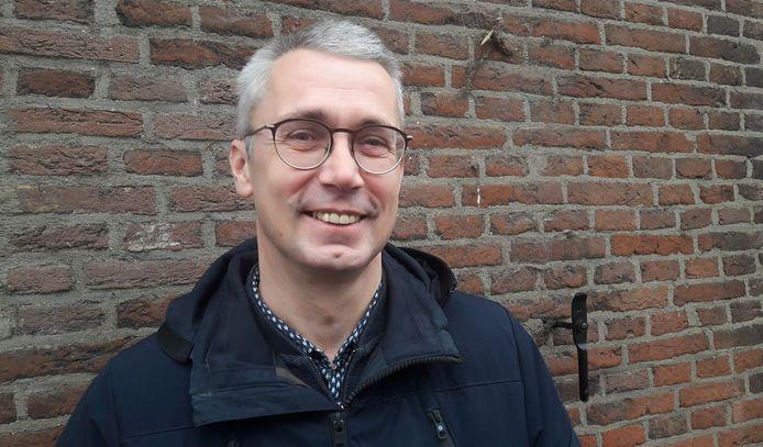 Manus Bolders uit Hoogerheide, fractievoorzitter van VVD Woensdrecht, stapt na 22 jaar uit de gemeenteraad. Per 1 mei al, om plaats te maken voor zijn opvolger richting de gemeenteraadsverkiezingen 2022.