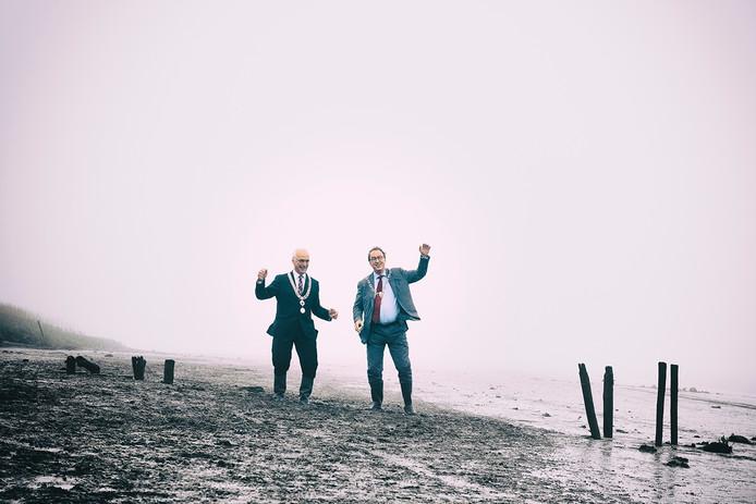 De burgemeesters Jan-Frans Mulder van Hulst en Jan Lonink van Terneuzen.