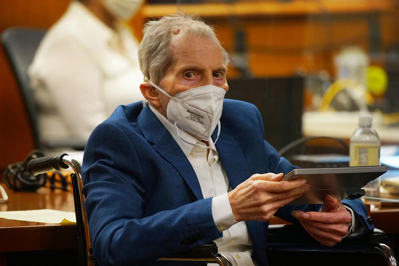 Vastgoedmiljonair Robert Durst tijdens een zitting in mei van dit jaar. Hij was vrijdag niet aanwezig toen de jury in Los Angeles hem schuldig verklaarde aan de moord op zijn vriendin in 2000. Beeld AFP