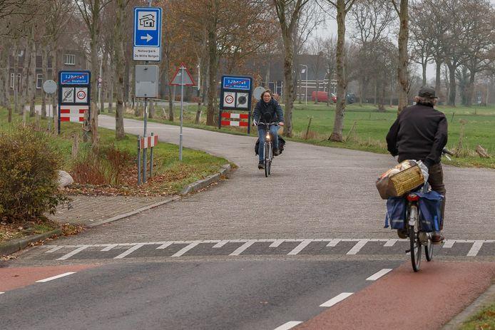 Het is nog onzeker of fietsers tussen IJhorst en Balkbrug straks op de gehele route gebruik kunnen maken van een vrijliggend fietspad.