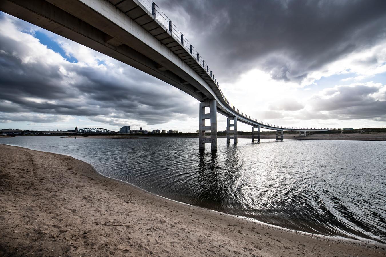 In de buurt van de Zaligebrug verhuurt het Rijksvastgoedbedrijf een stukje van Veur Lent voor een seizoensgebonden paviljoen.
