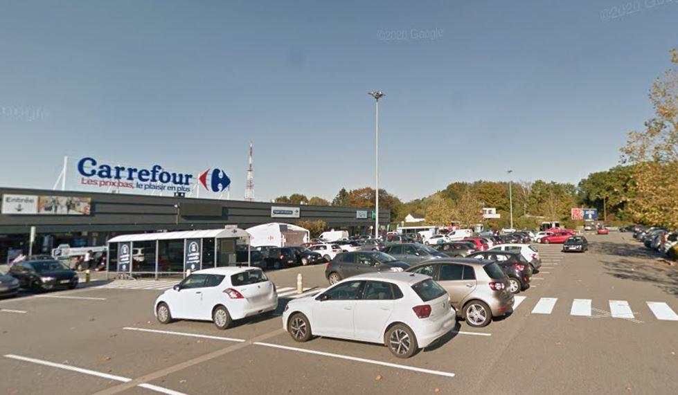 Aude et son amie se sont fait braquer sur le parking du Carrefour de Boncelles, à quelques mètres du Quick où elles venaient d'acheter à manger.