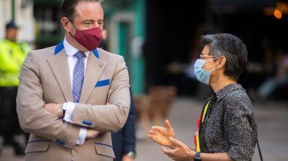 "Geen algemene mondmaskerplicht in Antwerpen - VUB-professor: ""Volledige lockdown voor Antwerpen is enige oplossing"