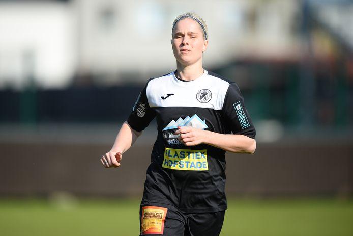 Stéphanie Van Gils zette voor Eendracht Aalst Ladies op White Star Woluwe met twee doelpunten de scheve situatie recht.
