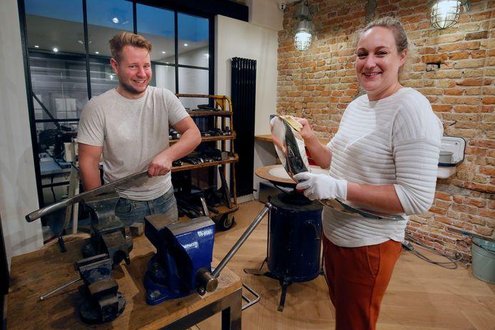 Tamara van Kekerix en Guido Schram in hun atelier annex winkel, die vandaag officieel open gaat.