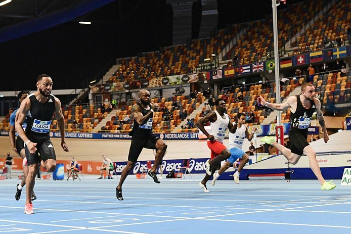 Joris van Gool wint de 60m op de Nederlandse kampioenschappen (NK) atletiek.