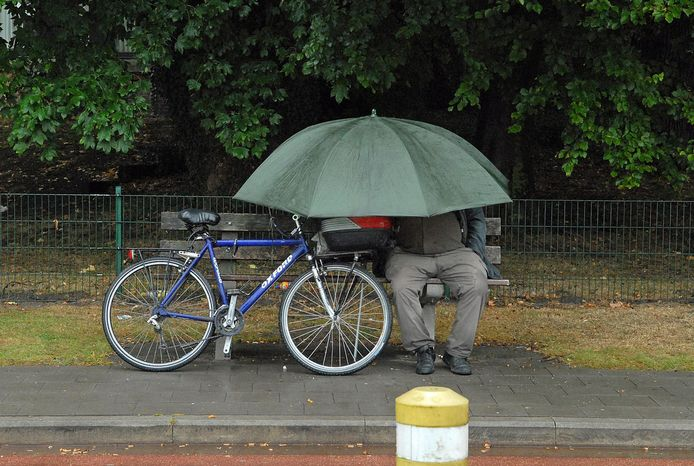 Een paraplu kan de komende dagen goed van pas komen.
