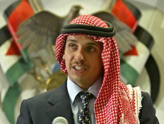 """Jordaanse prins Hamza belooft """"trouw te blijven"""" aan koning nadat hij ervan wordt beschuldigd staatsgreep te hebben voorbereid"""