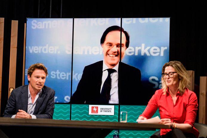 Geen bezoek van Mark Rutte bij Van Torentje naar Torentje, maar een videoverbinding met Den Haag.