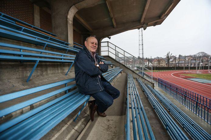Yvan Hoste op de oude tribune van SK Tongeren, op 'De Motten'.