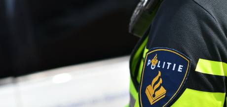 Vader van drie kinderen tegen wijkagent die hem van weg plukt: 'Ik heb een alcoholprobleem'