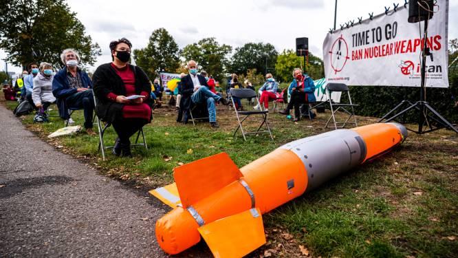 Protestactie tegen nieuwe kernwapens op vliegbasis Volkel