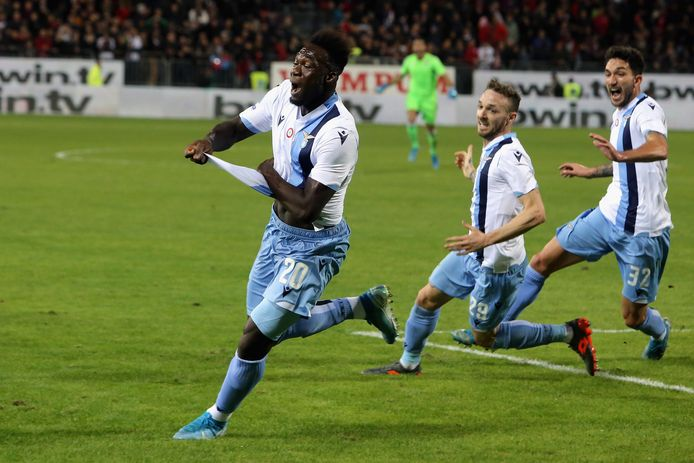 Lazio dankzij twee goals in blessuretijd langs Cagliari | Buitenlands voetbal | AD.nl