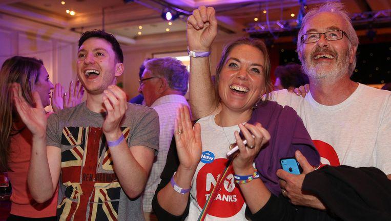 Aanhangers van de Better Together-campagne vieren de uitslag in Glasgow. Beeld GETTY