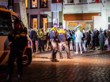 Verbroedering tussen politie en voetbalfans is om toe te juichen
