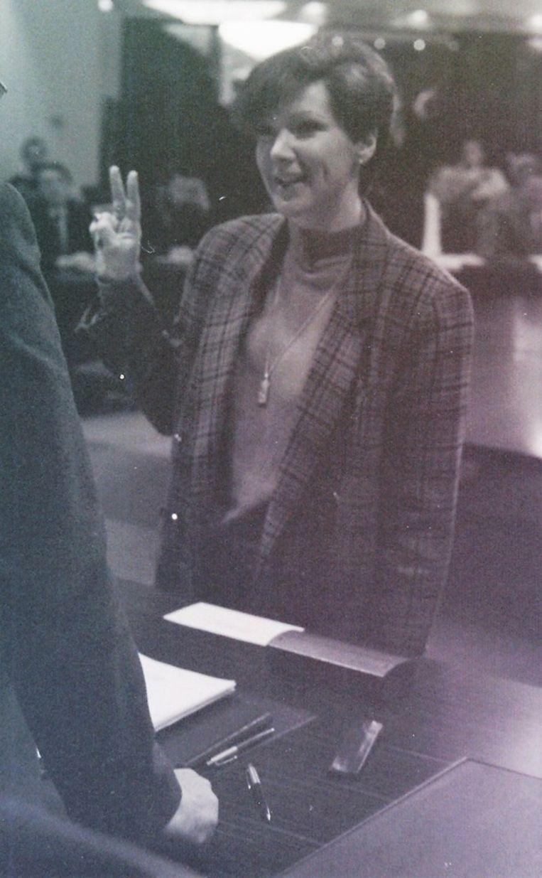 Gerda bij haar eerste eedaflegging als gemeenteraadslid in 1989.