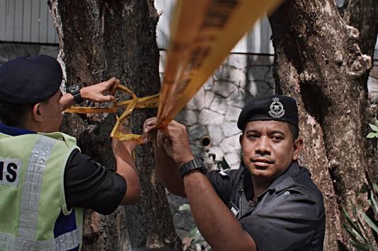 Maleisische agenten zetten de Noord-Koreaanse ambassade in Kuala Lumpur af.