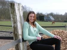 Jeske gooit het roer om: paarden de deur uit en aan de slag als therapeut