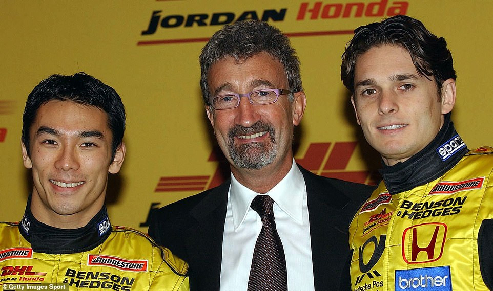 Takuma Sato (links), Eddy Jordan (midden) en Giancarlo Fisichella