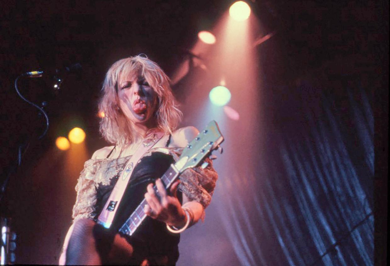 Courtney Love, schijnbaar zelfverzekerd ondanks de vele haters, in 1998. Beeld Alamy Stock Photo