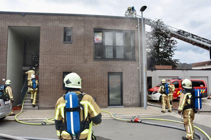 De brandweer had de keukenbrand in Overstatie in Roeselare snel onder controle.