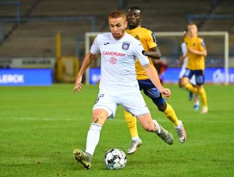 Opdoffer voor Anderlecht: Adrien Trebel geopereerd aan linkerknie en maanden out
