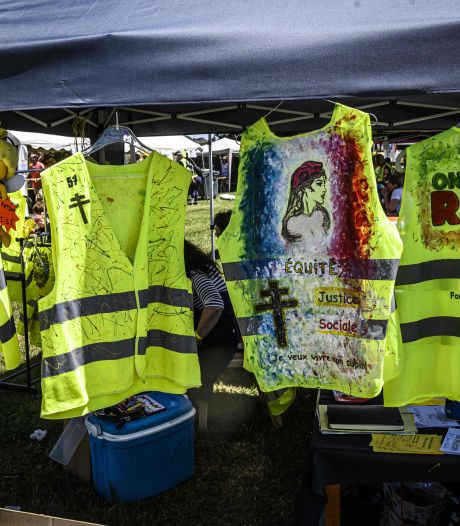 """Acte 49 des gilets jaunes en France: """"La police nous confisque nos gilets jaunes"""""""