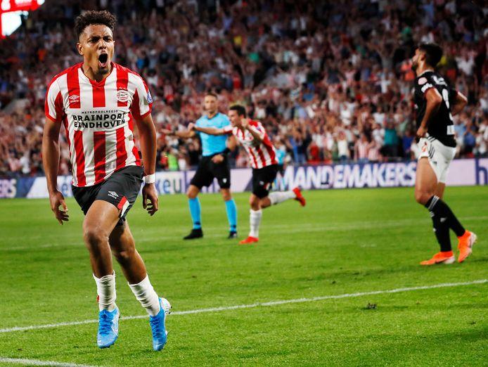 Donyell Malen, twee jaar geleden tijdens PSV-FC Basel in juli. Toen ook een tweede voorronde in het toernooi om de Champions League.