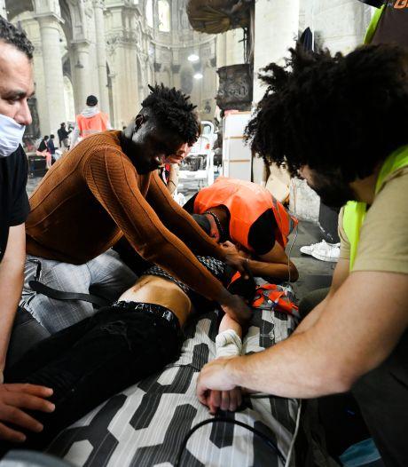 """Grève de la faim des sans-papiers: """"La catastrophe est imminente"""""""
