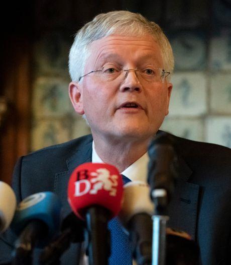 Burgemeester Weterings: 'Boa's verdienen het om wapenstok te mogen dragen'