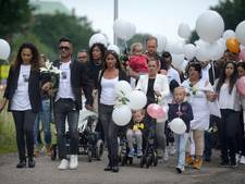 Indrukwekkende stille tocht voor vermoorde Almelose: 'Oma mist je zo'