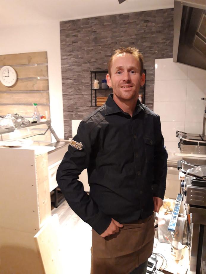 John Schipper, eigenaar van de tostizaak 't is Fantosti's