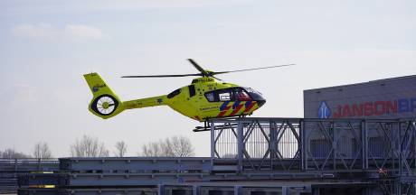 Ernstig gewonde bij ongeluk met enorme stalen constructie bij bedrijf in Brabant