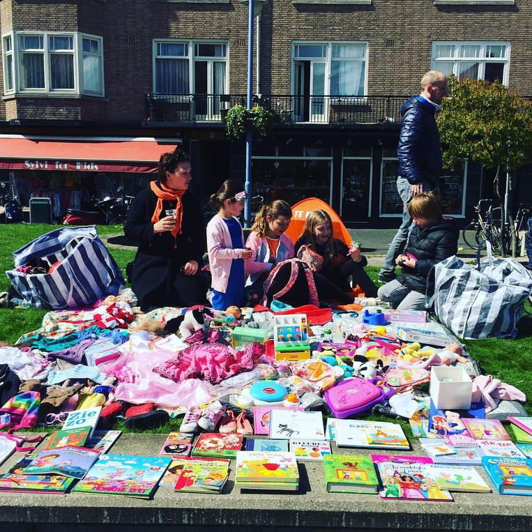 Vorige jaren vierde Maliepaard Koningsdag met haar kinderen op de vrijmarkt. Beeld