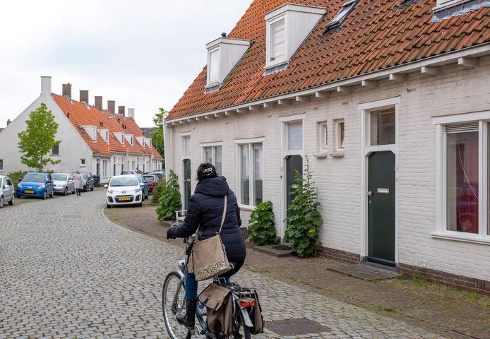 De karakteristieke Briëtwoningen in Middelburg krijgen van de gemeente geen monumentenstatus.